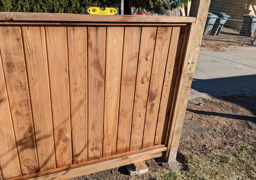 how to install a fence panel