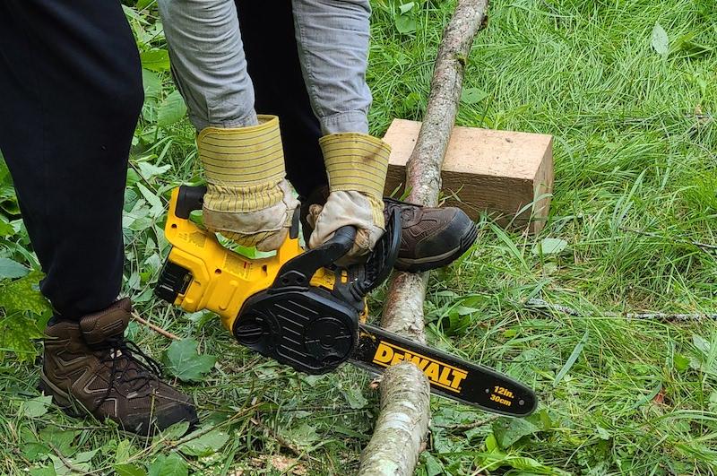 cutting up log