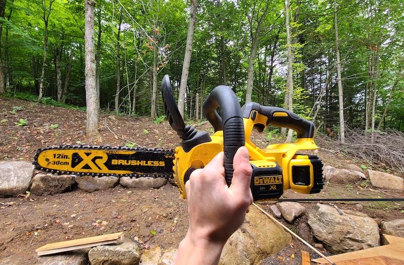 dewalt 12 inch chainsaw up close