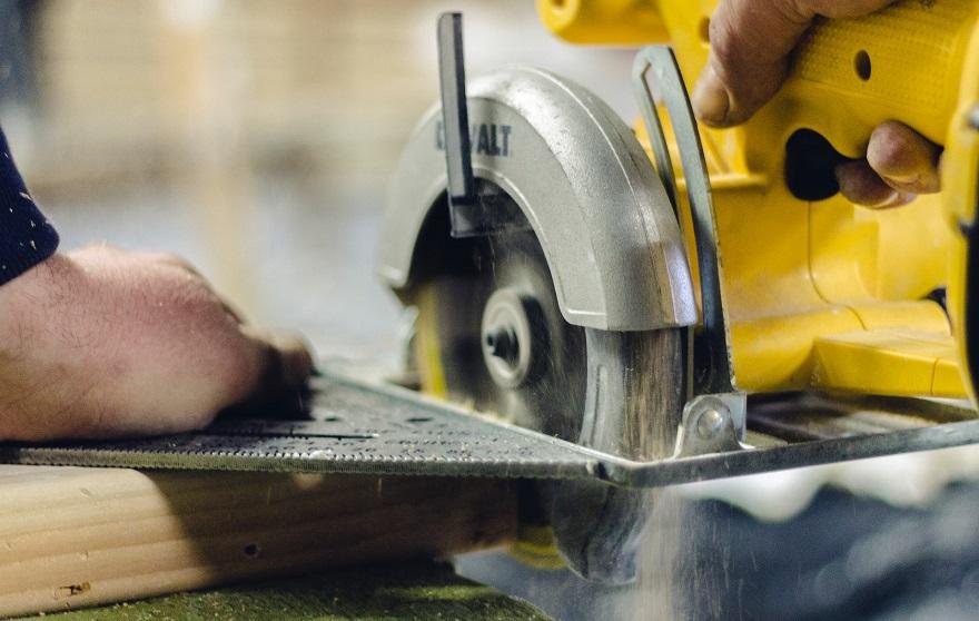 cutting lumber with a circular saw