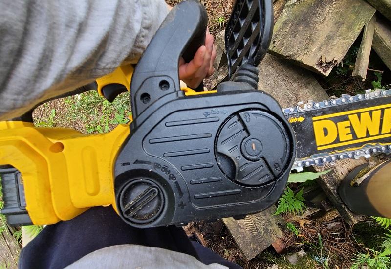 tool free tension adjustment knob